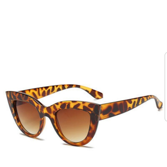 Tortoise Cat Eye Sunglasses NWOT